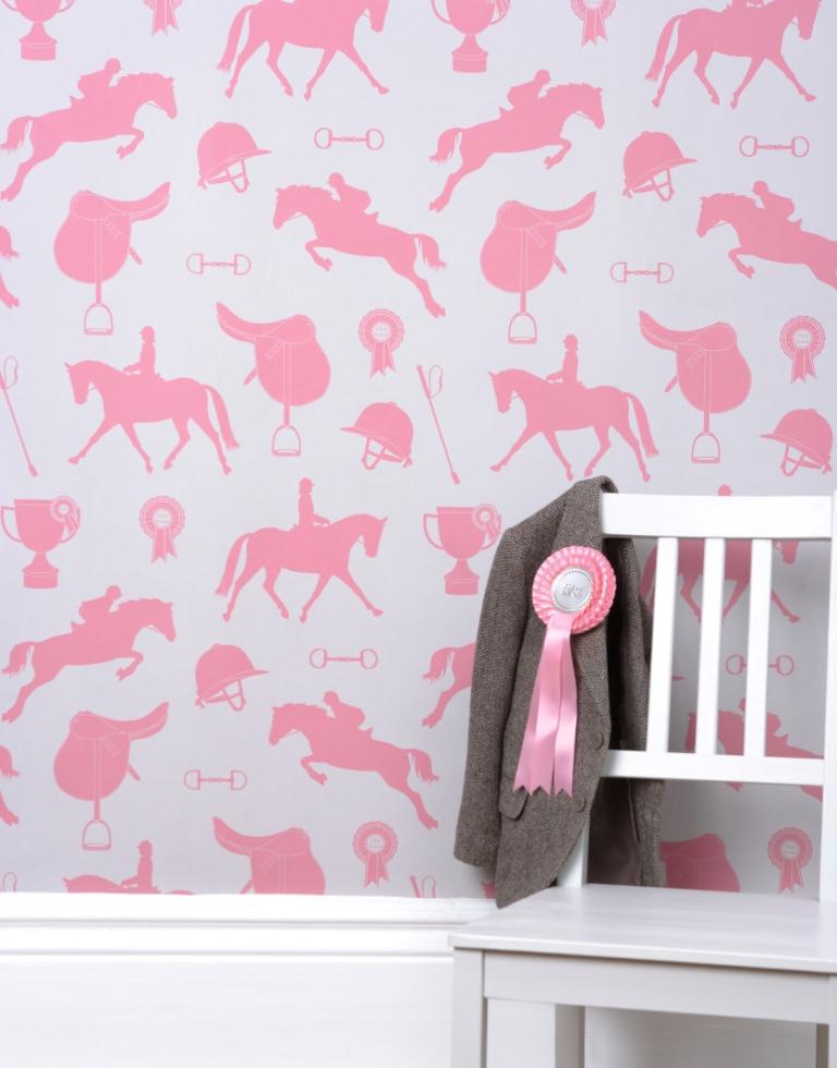 Hibou Home_Gymkhana wallpaper_HH00402_Sand_Coral Pink_lifestyle